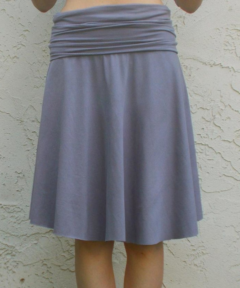 FREE SEWING PATTERN:  The yoga skirt