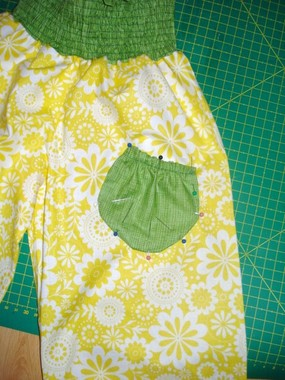 sewing tutorial: how to make an easy scallop pants for kids