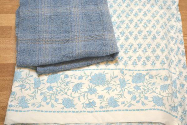 Tweed skirt and sheet