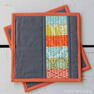 Modern-Quilted-Potholder_Large400_ID-1100968
