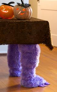 diy-halloween-decorations-monster-legs