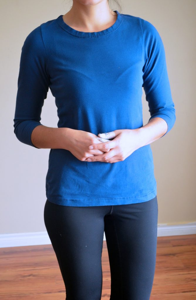 Easy 30 minutes Top Pattern for Women: Learn how to make this easy knit top for women. Step by step sewing tutorial and free PDF printable pattern included